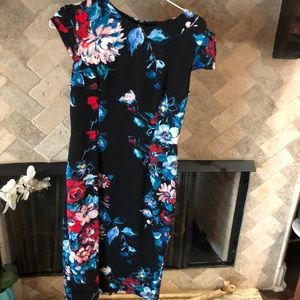 Hersey Johnson  dress size 4 black with flowers